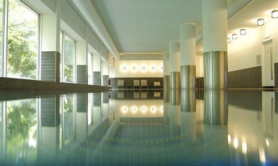 Park Plaza- Laguna Spa Pool and Health centre